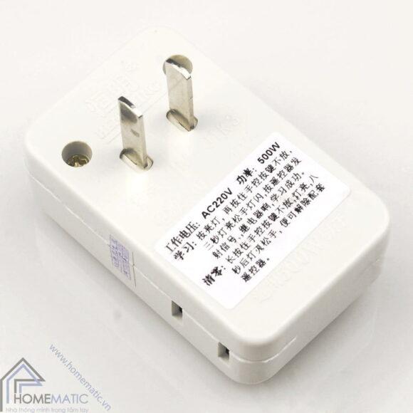 Ổ cắm điều khiển từ xa học lệnh HM-01K3 có chân xoay phù hợp nhiều ổ điện