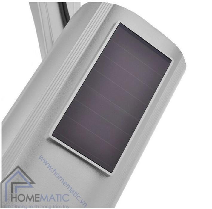 camera giả hỗ trợ pin năng lượng mặt trời