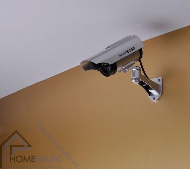 camera giả hỗ trợ pin năng lượng mặt trờicamera giả hỗ trợ pin năng lượng mặt trời